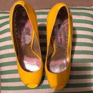 Shoes - Gianni Bini Pumps